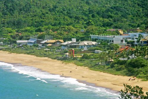 praia-do-estaleirinho-balneario-camboriu-4