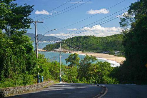 praia-do-estaleirinho-balneario-camboriu-5