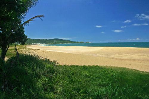 praia-do-estaleiro-balneario-camboriu-3