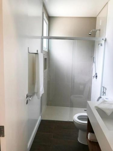 suites-pousada-praia-do-estaleiro-camboriu-12