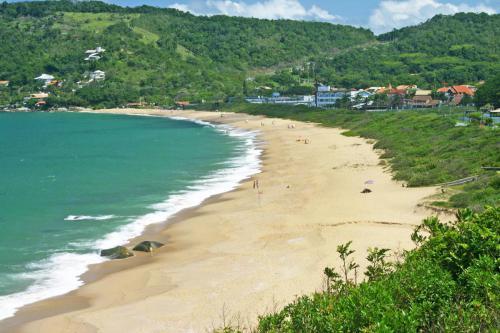 praia-de-taquaras-balneario-camboriu-sc-2