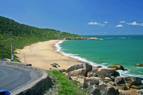 praia-de-taquarinhas-balneario-camboriu-sc-1